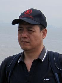 画家李宏利